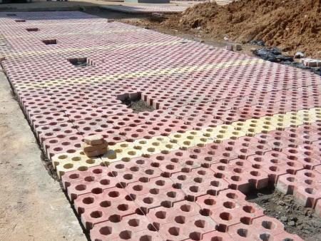 济南水泥植草砖施工现场