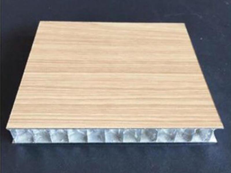 鋁蜂窩板廠家需嚴把控質量