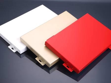 鋁蜂窩板廠家分析氟碳鋁單板有哪些用途