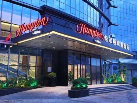 西宁希尔顿欢朋酒店中央空调,新风,热水系统(21000m2,40吨)