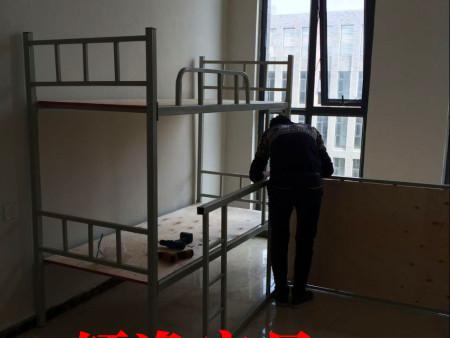 郑州课桌椅厂家电话  15890001255轩逸家具