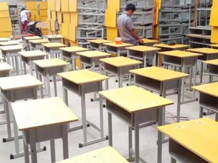 郑州学生课桌椅厂家 轩逸家具欢迎您