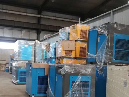 沈陽空壓機價格:螺桿式空壓機不保養的危害!