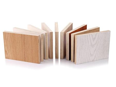 柠檬直播jrs整木定制中多层实木板、实木颗粒板、密度板哪一种好?
