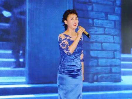 缅怀人民艺术家阎肃 女高音歌唱家、国家一级演员高咏梅演唱《红梅赞》