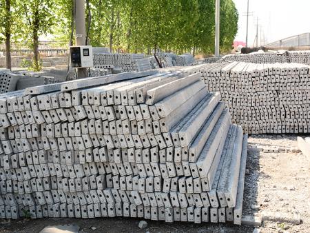 水泥立柱埋设深浅方位的要点