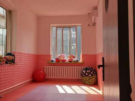 沈阳孤独症的两种治疗方法:心理治疗法和医药疗法