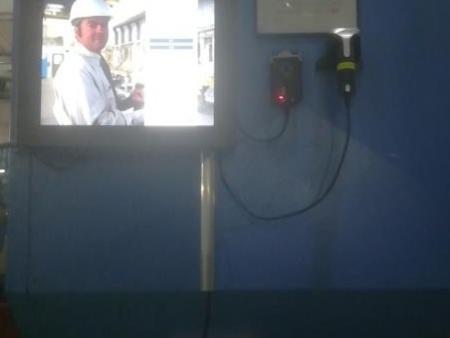 工厂采用科奥小型无纸化触摸工位终端