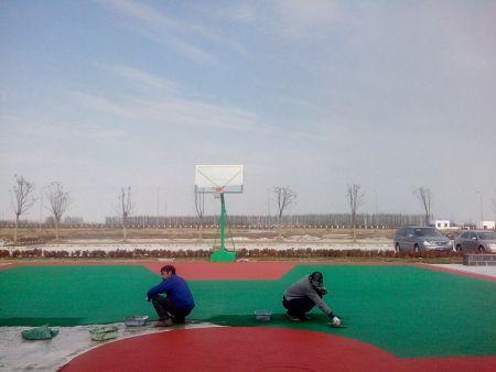 惠州EPDM塑胶球场施工中