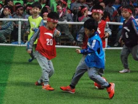 幼儿园足球场