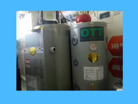 承压式缓冲水箱及电锅炉