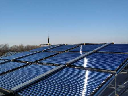 外媒称巨大的太阳能发电站漂浮在太空 将无数能量辐射到地球