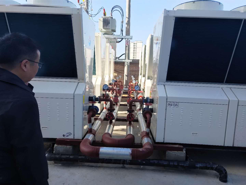 甘肃空气能采暖:热烈祝贺兰州双志新能源在迭部扎尕那藏家大酒店的空气能工程顺利完工