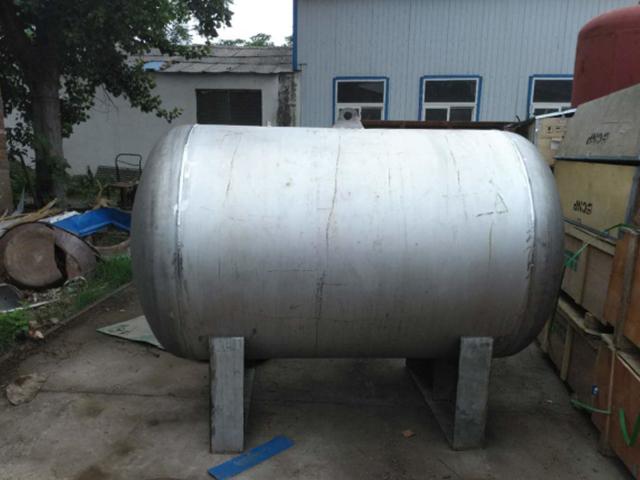 无塔供水跳闸一般是压力容器,还是温度介质的原因引起的