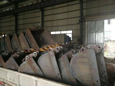 挖机斗生产