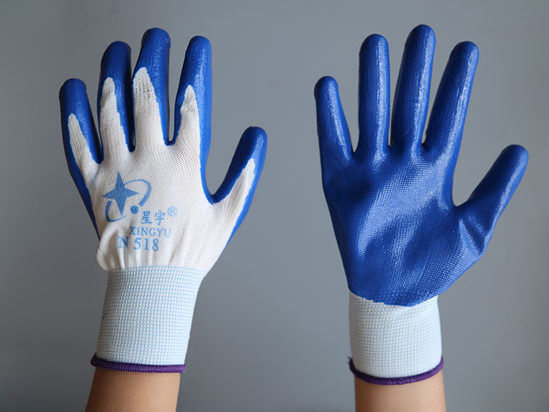 劳保手套厂家需要规范工人对手套的使用