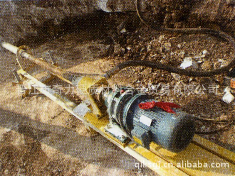 出口型轻便多功能潜孔钻机