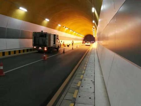 东坡岭隧道施工