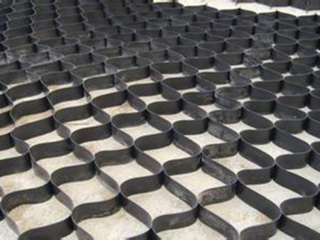 使用优良材料制成的土工布使用寿命很长