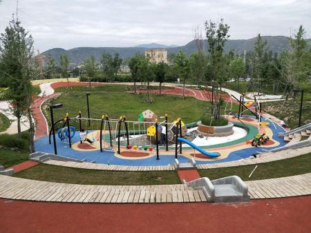 兰州市中央生态公园,儿童游乐区设备