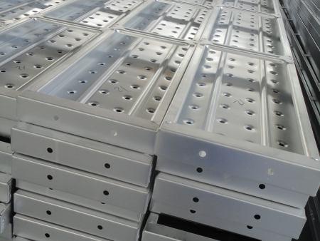 现浇防护墙钢模板的介绍,现浇防护墙钢模板的特点优势