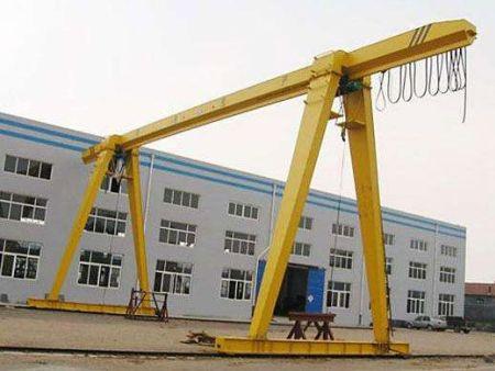 哈尔滨起重机维护保养方面需注意的问题