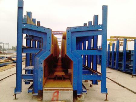 蘭永6標液壓箱梁、圓柱、蓋梁、方形墩施工