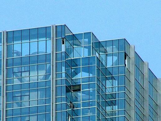 钢化玻璃还需要贴防爆膜吗?