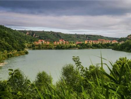 千亿国际老虎机明珠——陕西彬州侍郎湖景区正式批准为国家4A级旅游景区