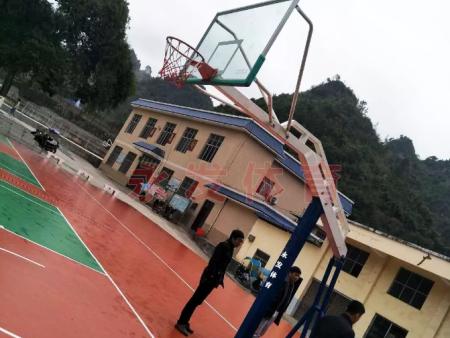 学校篮球场上篮球架的高度是多少?看湘南体育的