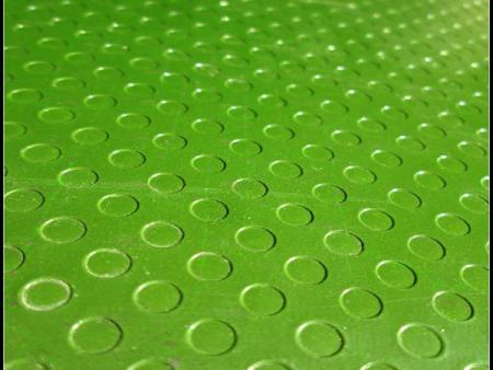 覆塑模板生产过程都会在不同程度上影响胶合板的质量