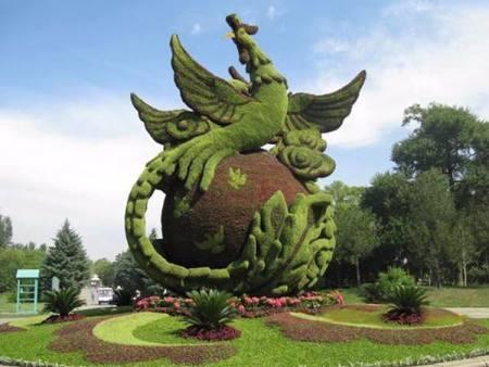 西宁绿色景观绿雕