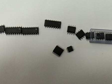 HT16稳压与功率放大器
