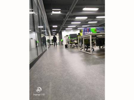 陇星大厦中林科技办公楼manbetx全站app下载铺设 1000平米 完工时间2018年11月