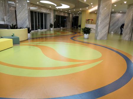 甘肃众享精准医疗橡胶地板铺设工程 2200平米 完工日期 2018.2