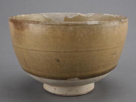 隋青釉弦纹碗