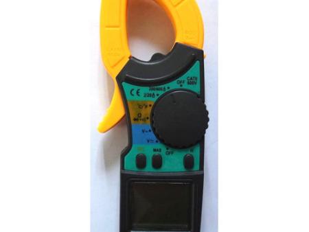 New auto range clamp meter