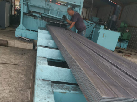 热轧扁钢开裂的原因与解决办法