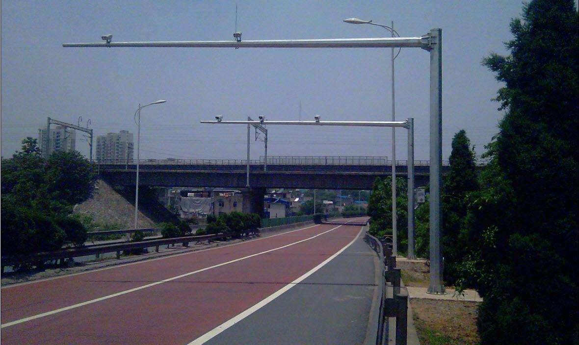 沈阳交通指示牌杆到底多高才合理呢?