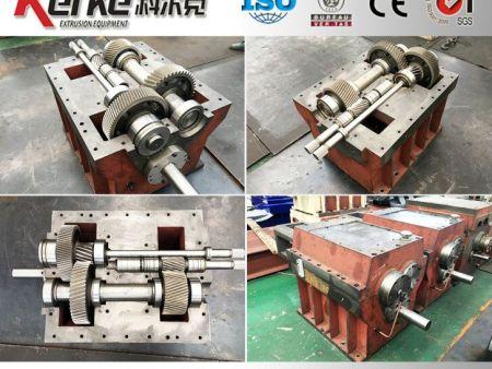 双螺杆挤出机-双螺杆齿轮箱的日常保养-同向平行双螺杆挤出造粒机减速箱的保养,维修