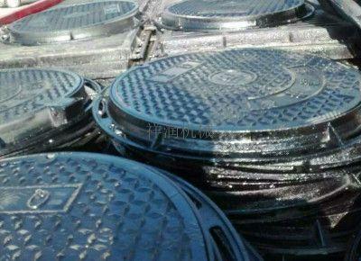 选择桶形铸件的球墨井盖铸造系统类型时应考虑哪些因素?