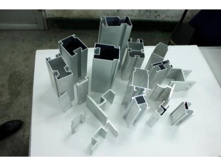 在厦门铝型材工艺品有哪些特点?