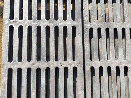 雨水篦子模样怎样在模底板上紧固和定位?