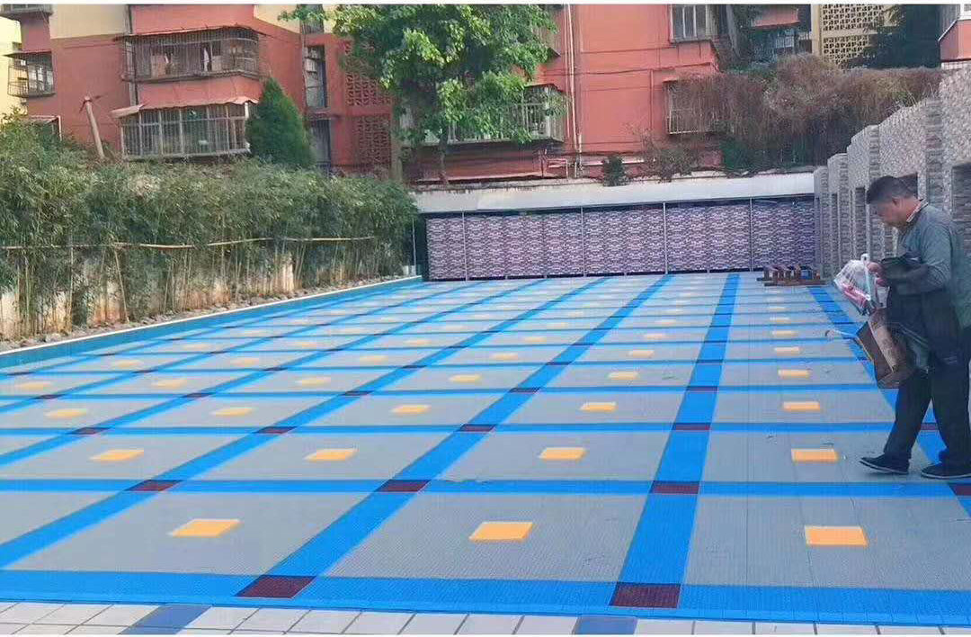 悬浮拼装地板,悬浮式拼装运动地板的厚与薄如何选择