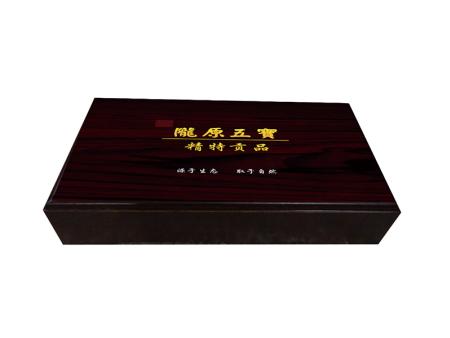 兰州礼盒包装设计-木制红酒盒的使用性能以及特点简述