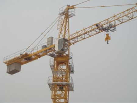 如何確保塔吊的穩固性