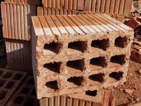 什么叫垂直多孔轻质砌块(砖)?