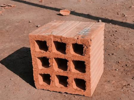 多孔砖在成型操作中应特别注意这几点