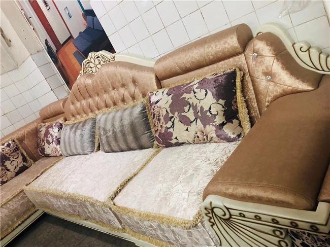 新购置的皮沙发该如何保养?