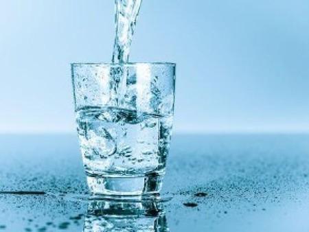 纯净水、矿泉水、苏打水、白开水、果汁.....到底哪种好?